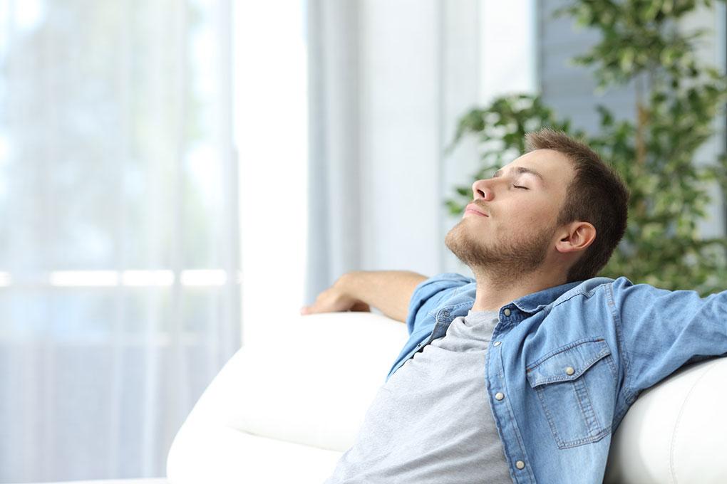 Relax-Pulizia-Domestica-divano
